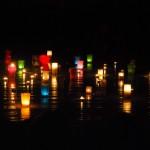 Vakara ugunskurs ar svecēm un vakarstāstu